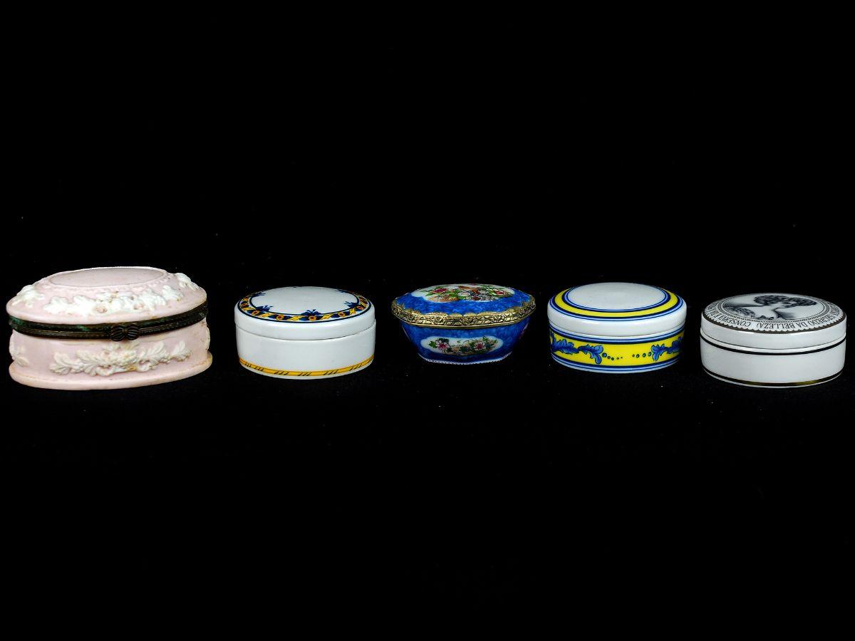 5 Pequenas caixas em Porcelana