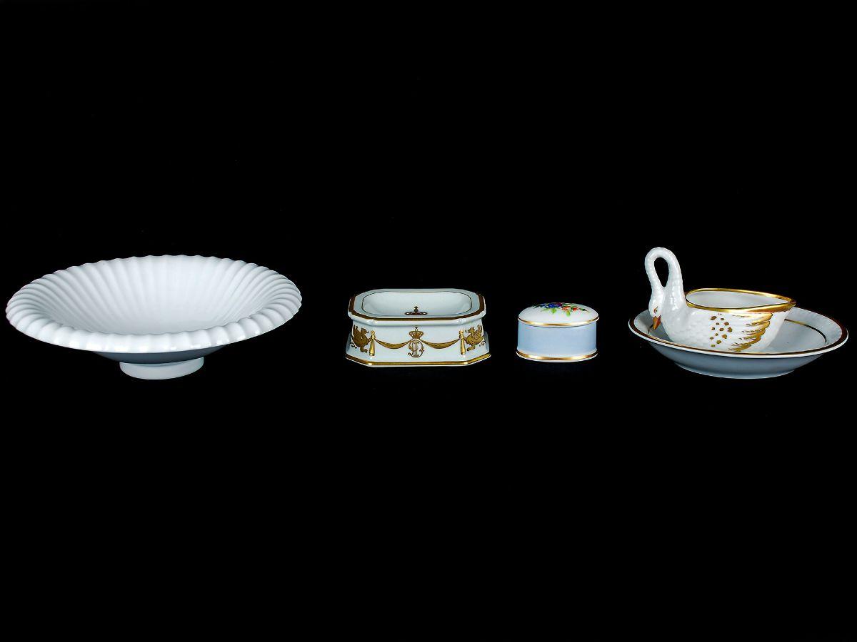 Lote de 4 peças em porcelana da Vista Alegre