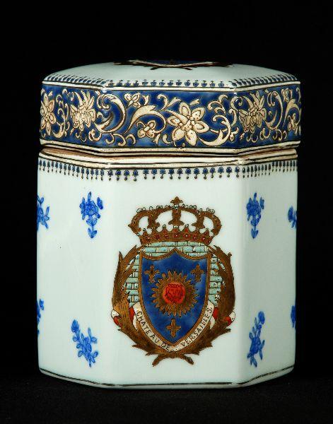 Caixa em Porcelana Europeia