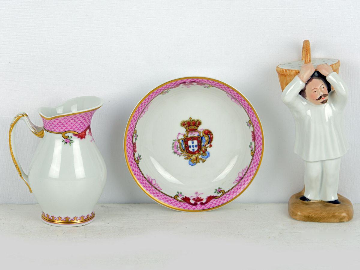 Duas peças em porcelana