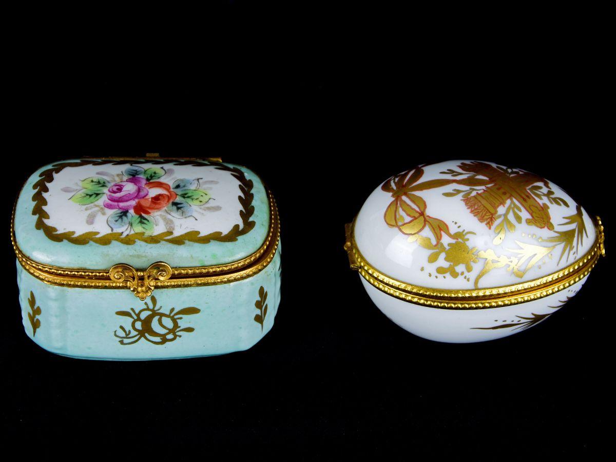 2 Pequenas caixas em Porcelana