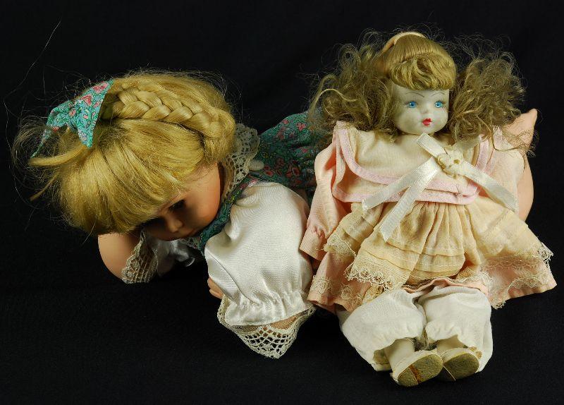 Duas Bonecas em Porcelana