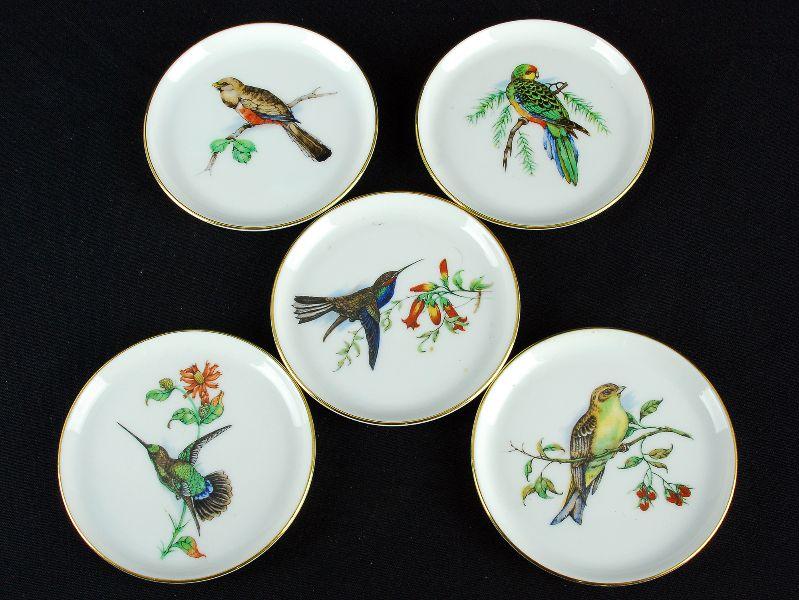 5 Pratos em Porcelana