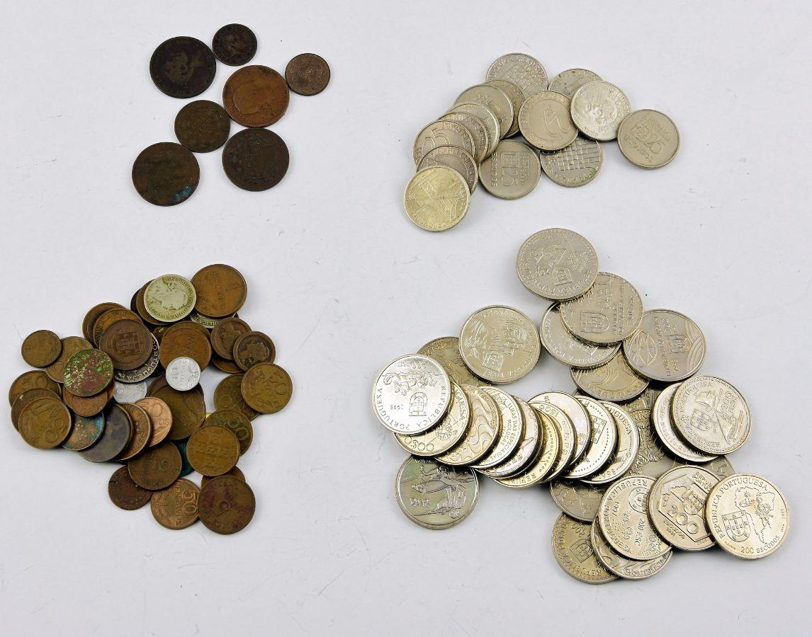 Lote de mais de 200 moedas