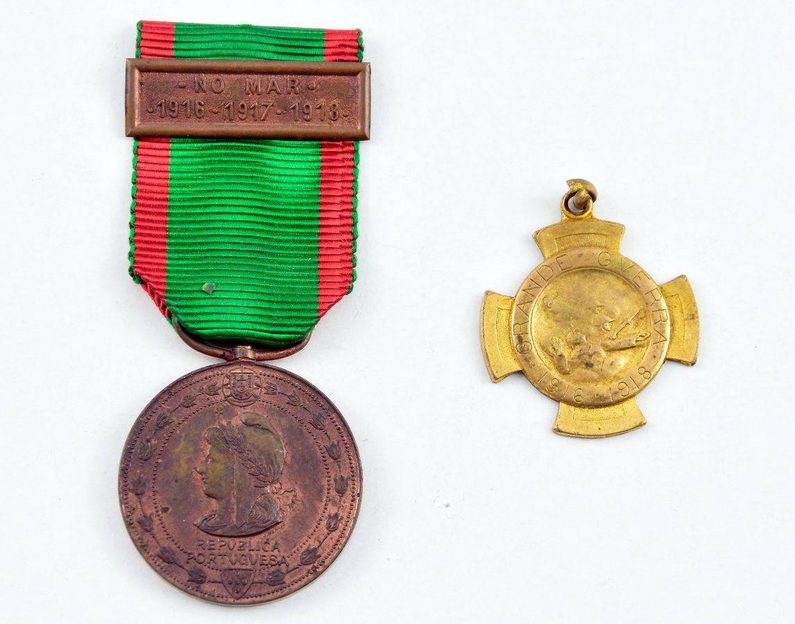 2 Medalhas Militares