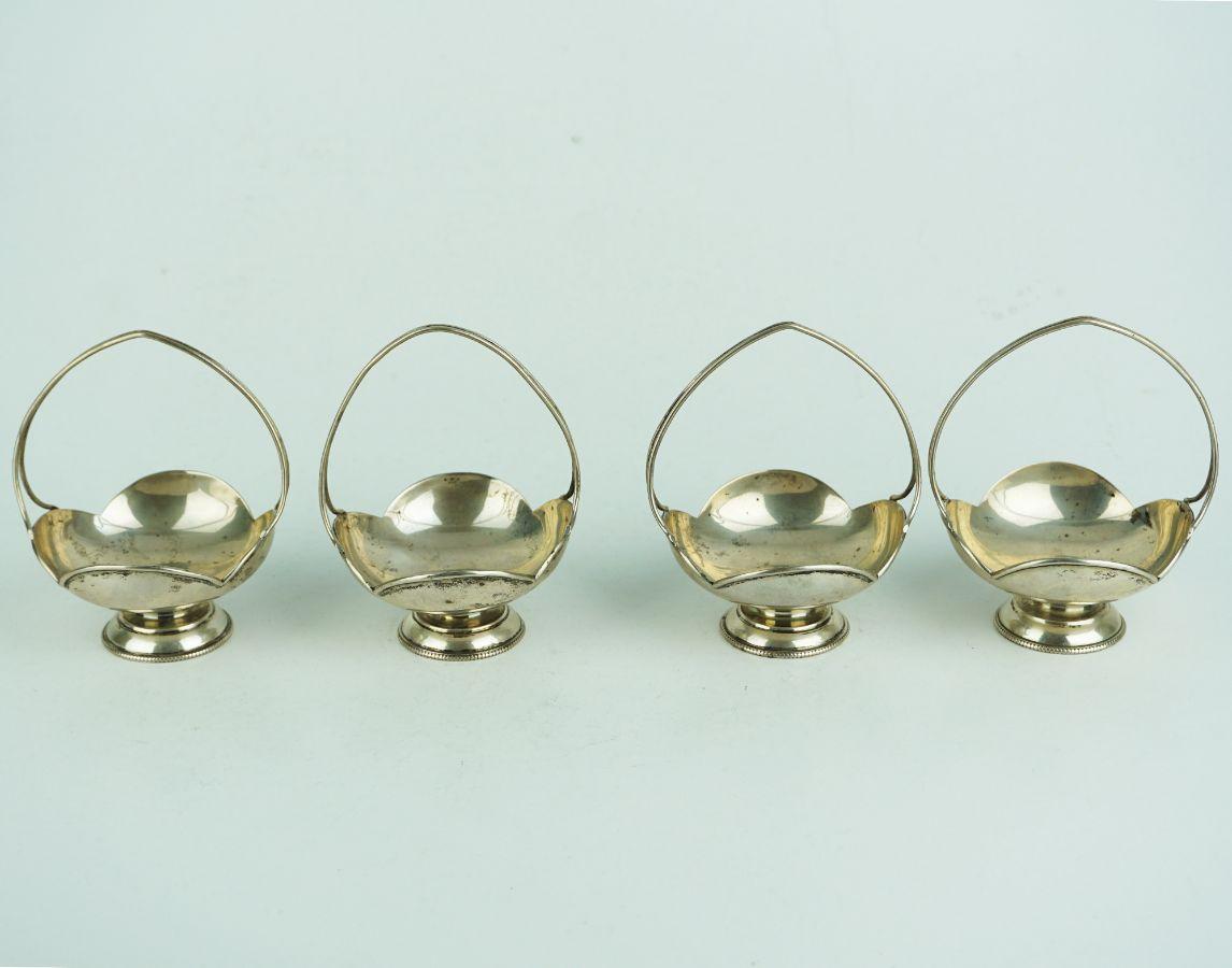 4 Cestinhos de mesa para bombons