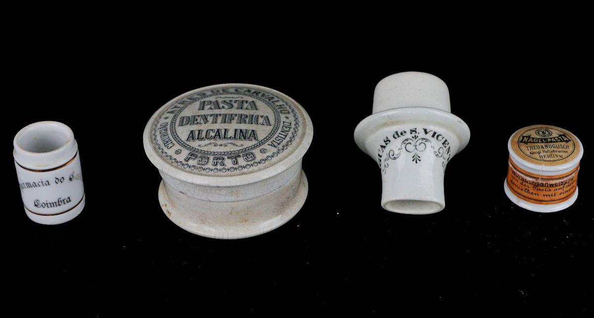 4 Peças em porcelana