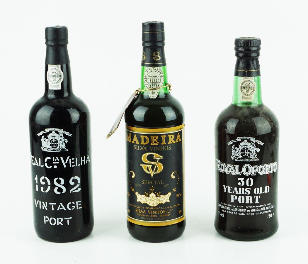 3 Garrafas de Vinho do Porto / Madeira