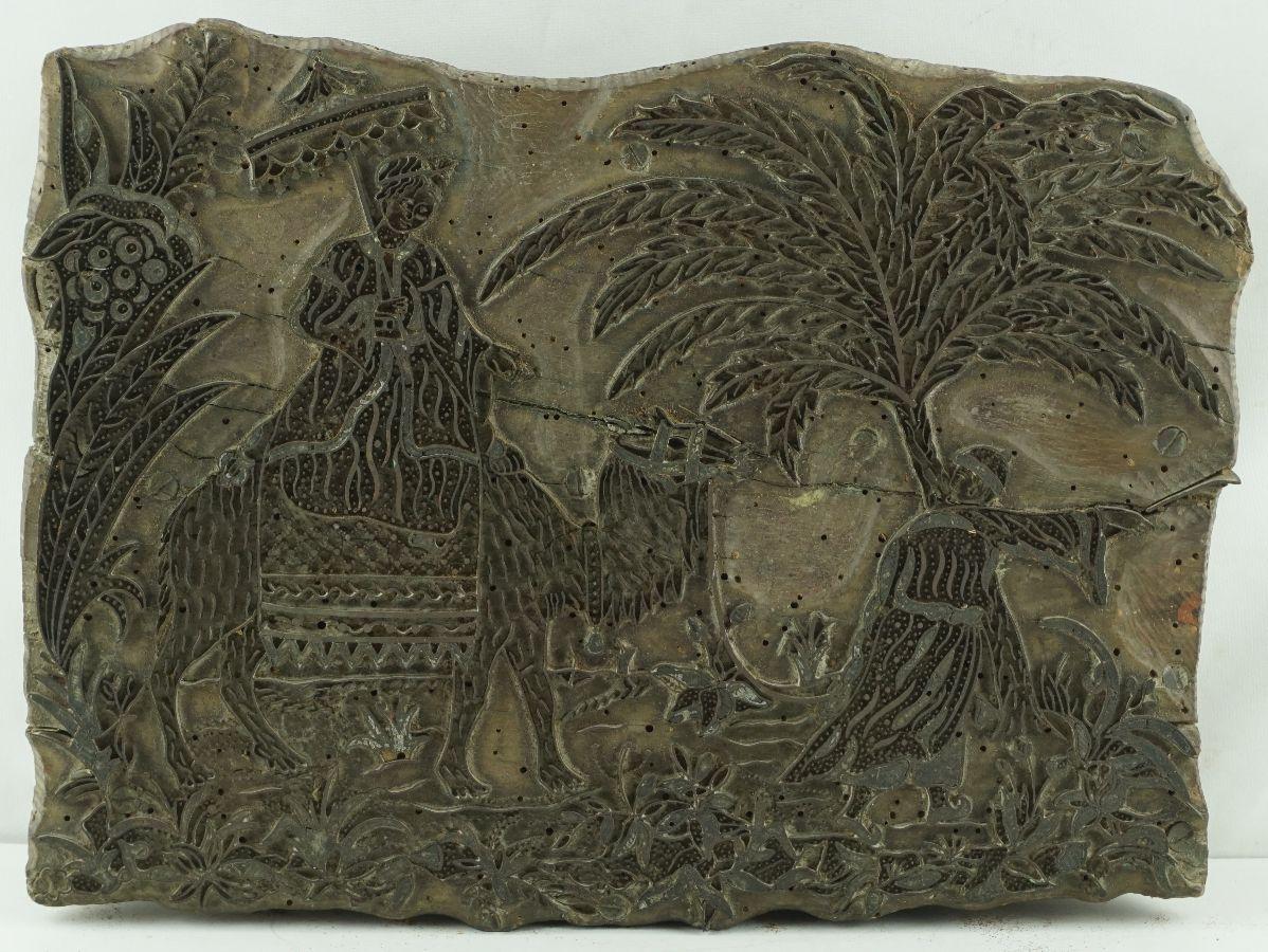 Placa antiga para gravação de tecidos