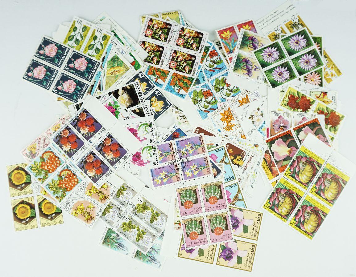 130 Quadras de selos