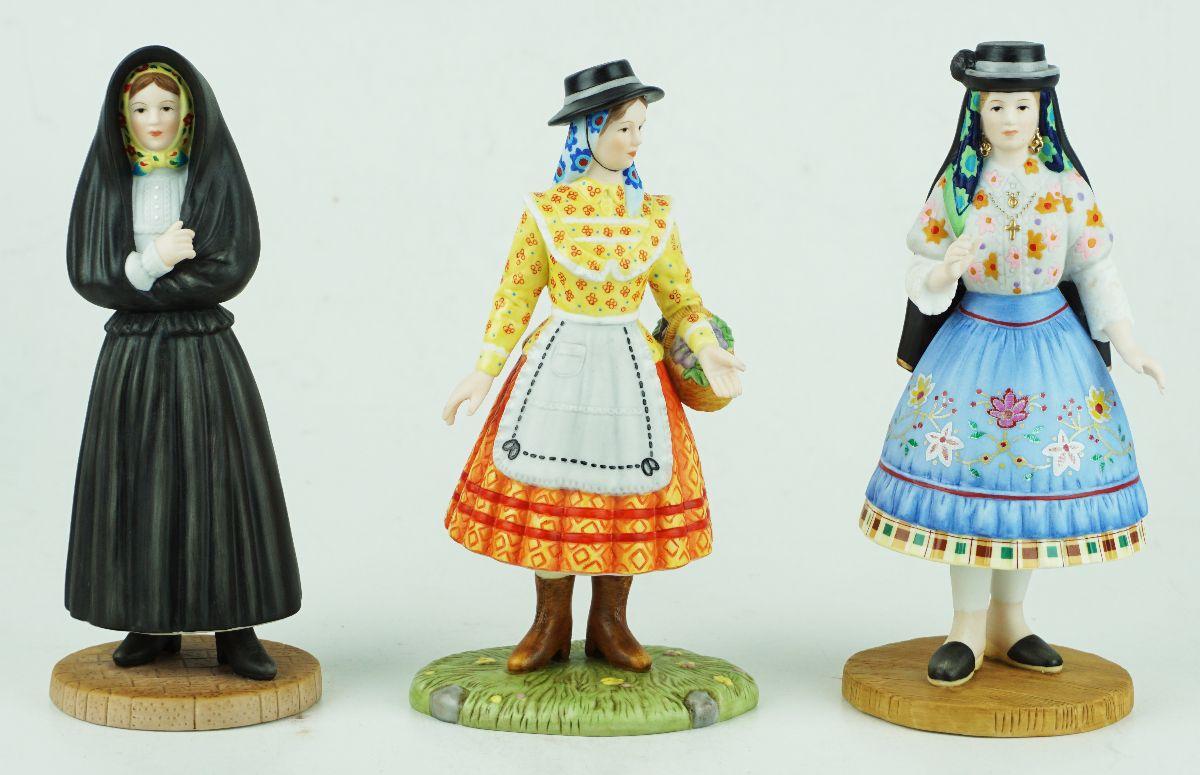 Mulheres de Trajes Regionais