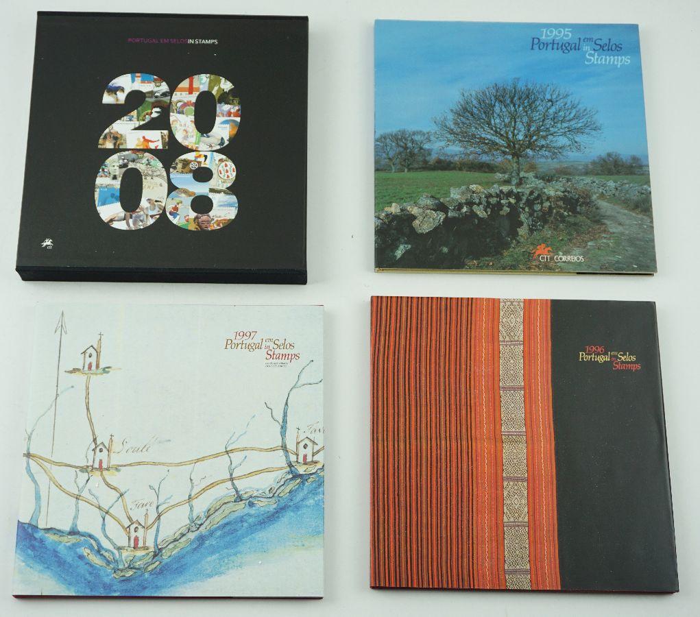 4 Livros dos CTT - Portugal em selos