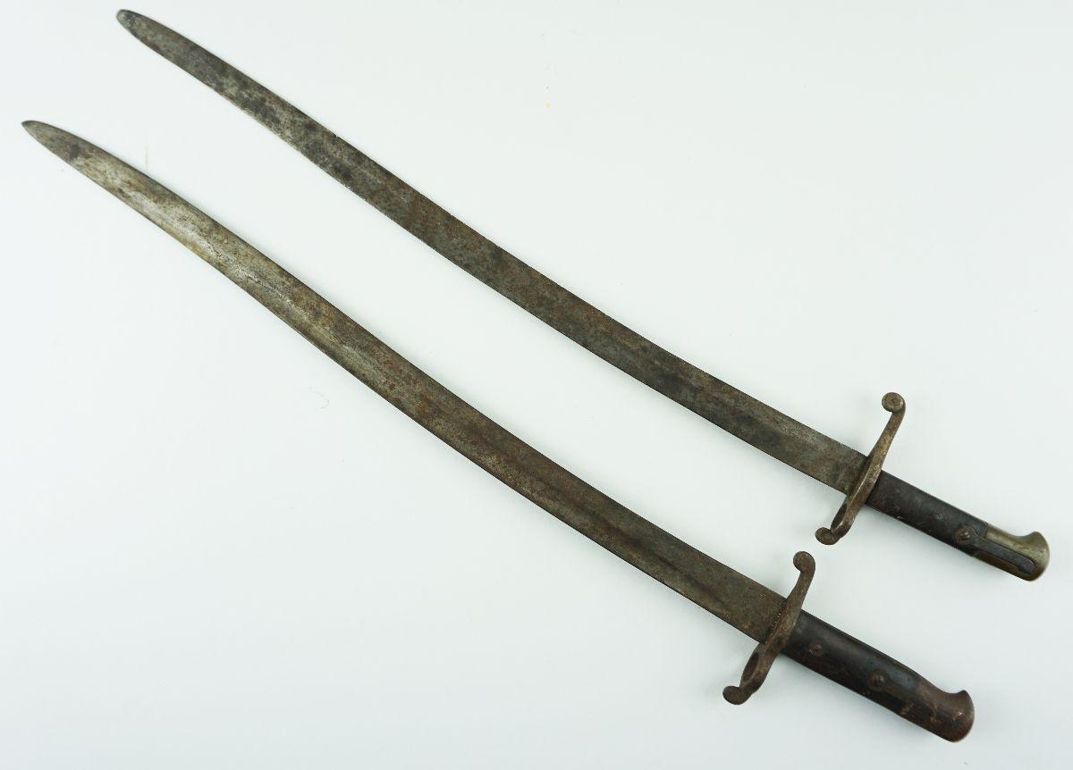2 Sabres / Baionetas