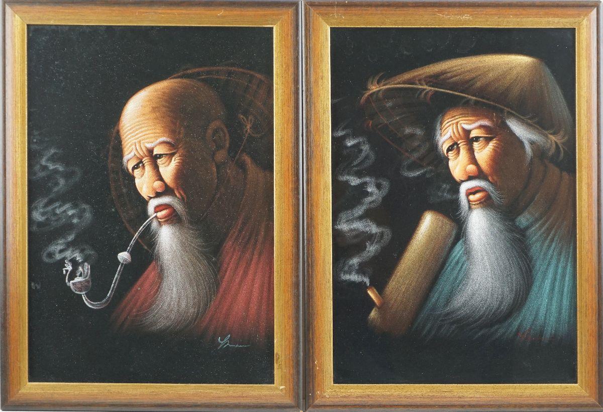 Par de Anciões Orientais a fumar