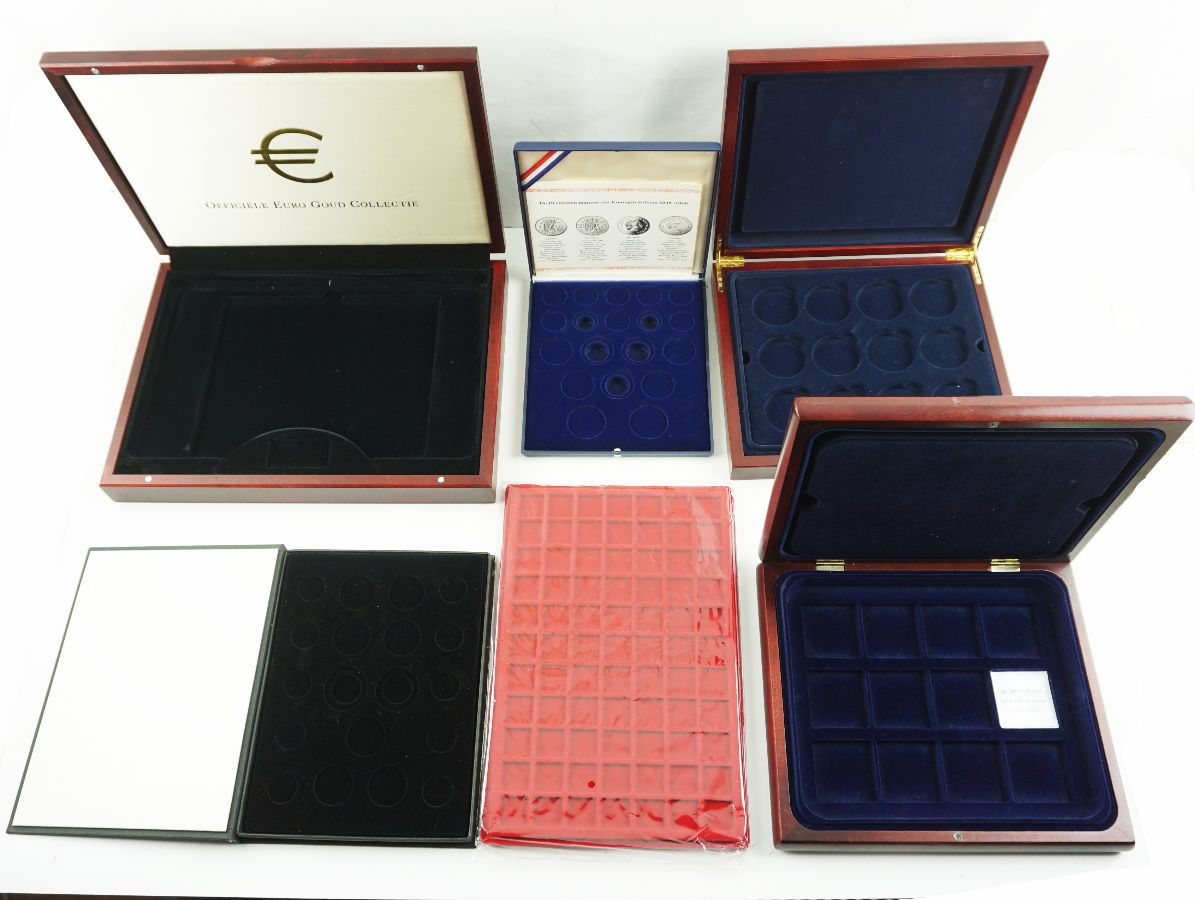 Caixas de arrumação para medalhas e moedas