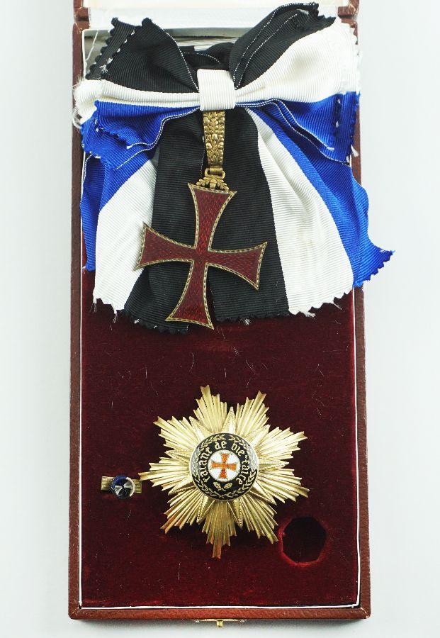 Gran Cruz da Ordem do Infante D. Henrique