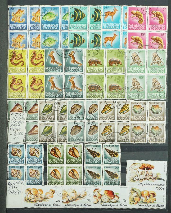 725 Selos em colecções completas