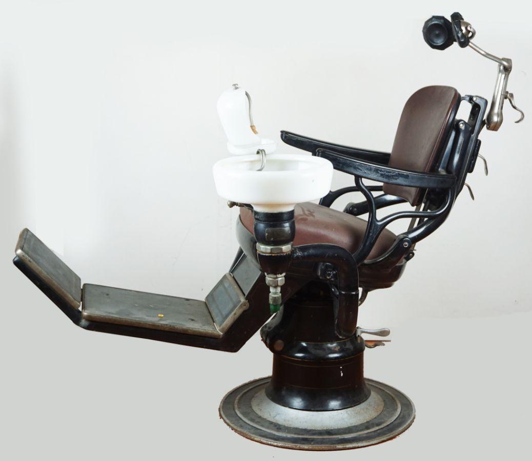 Cadeira de Dentista Antiga