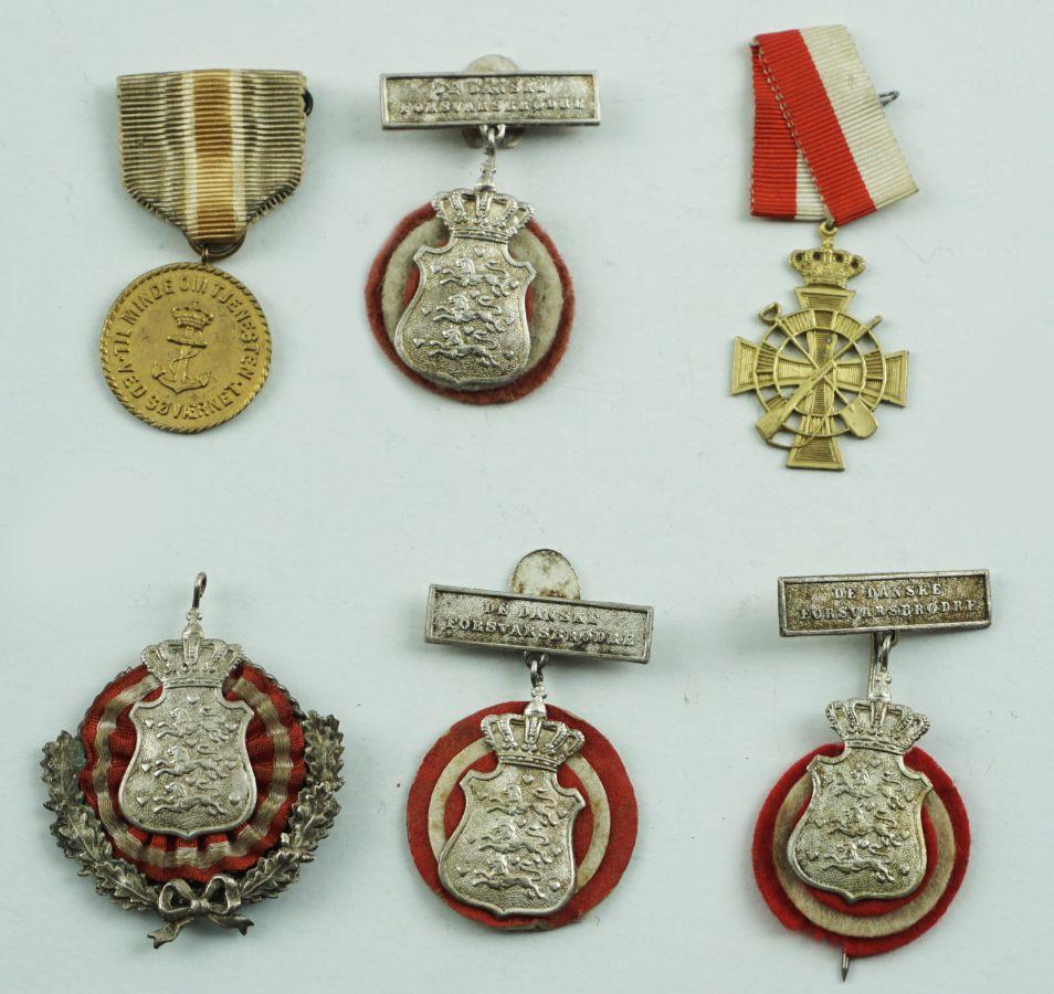 Distintivos Militares e Associativos Dinamarqueses