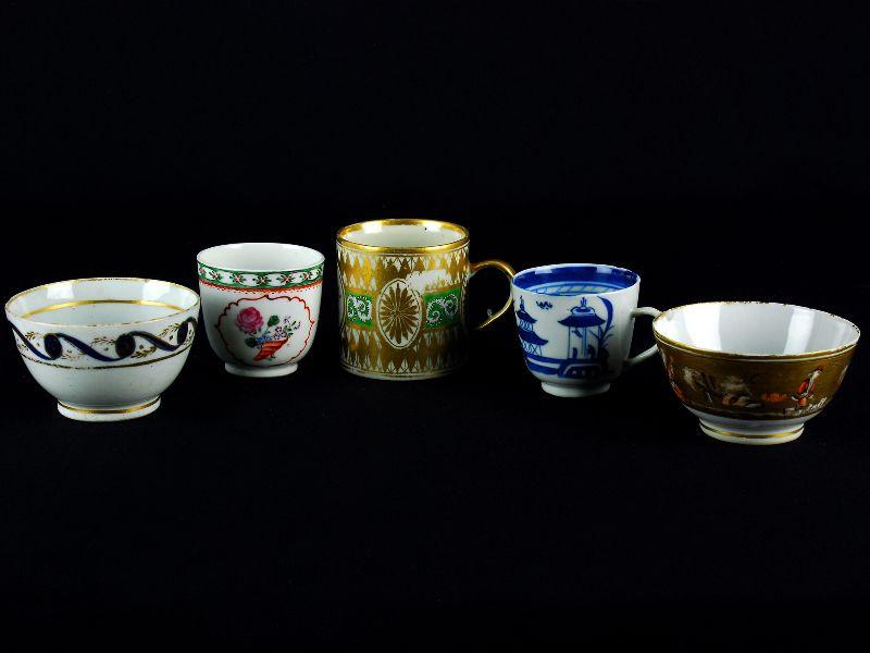 2 Taças e 2 Chávenas em Porcelana