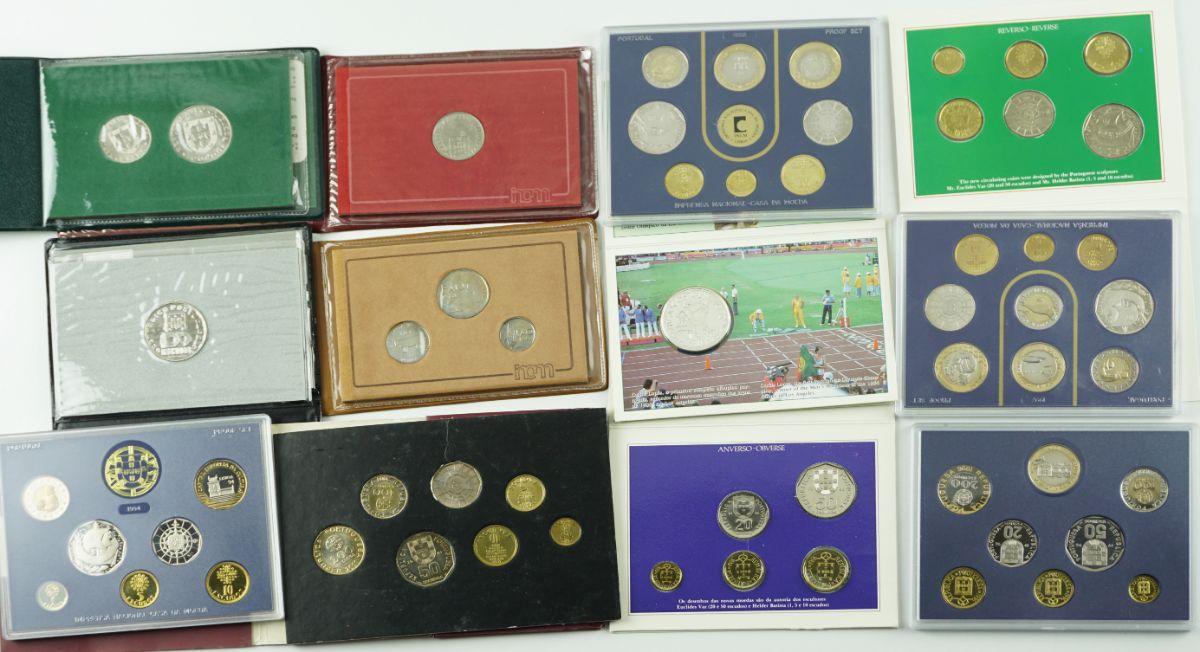 Coleção muito escassa de 12 carteiras numismáticas