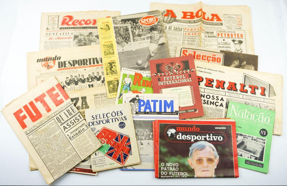 Números 1 de jornais e publicações desportivas.