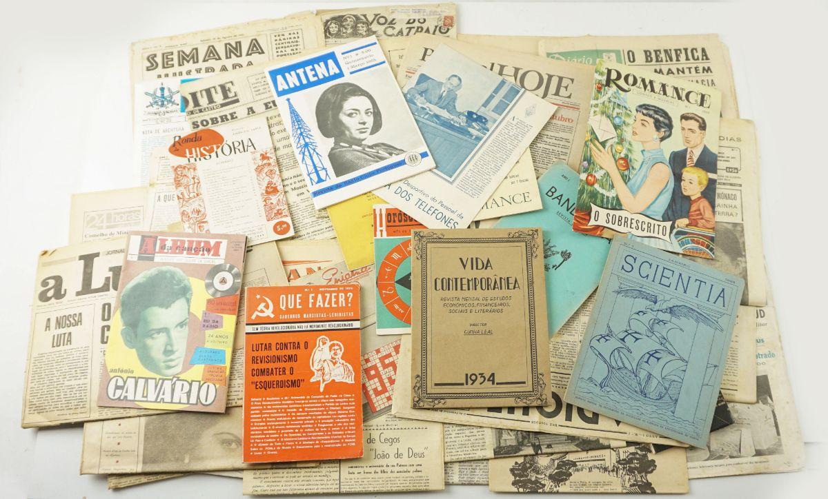 Importante coleção de números 1 de jornais e revistas.