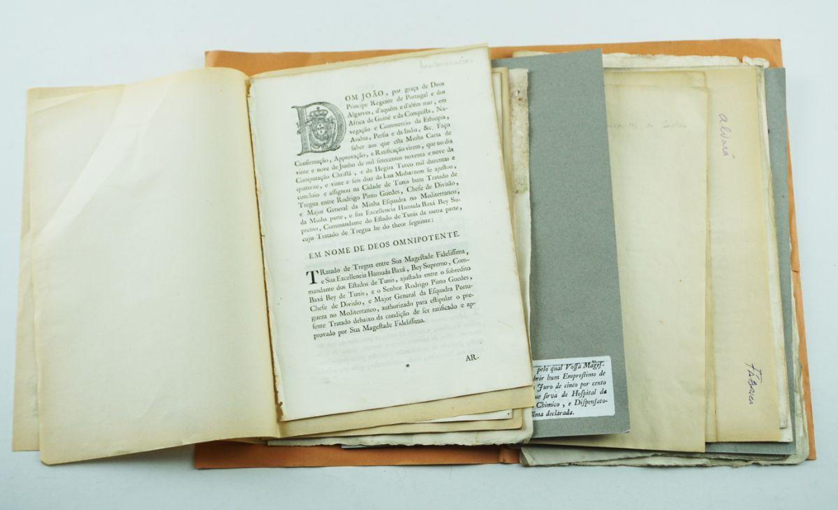 Conjunto de Alvarás do sec XVIII e XIX de diversos temas