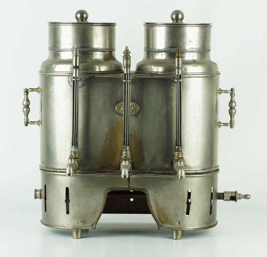 Máquina de café com 3 torneiras