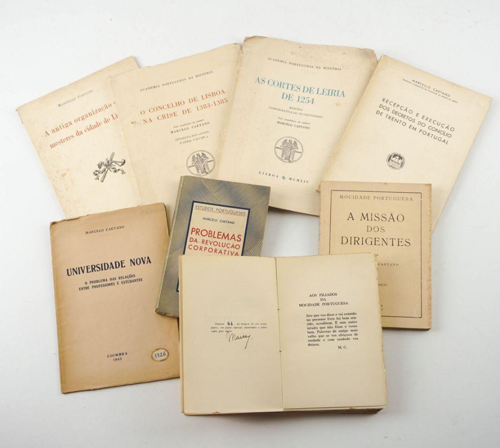 Marcello Caetano - Obras raras e algumas autografadas