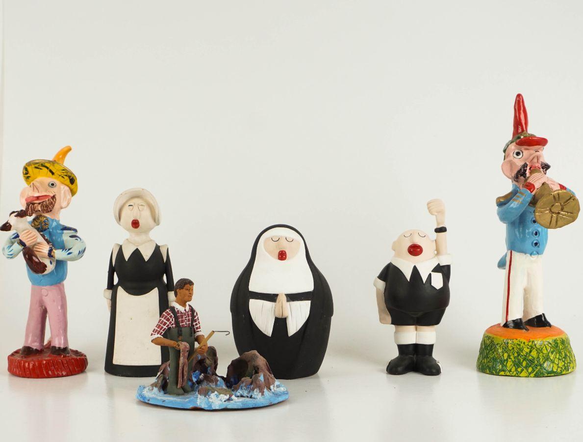 6 Esculturas diversas