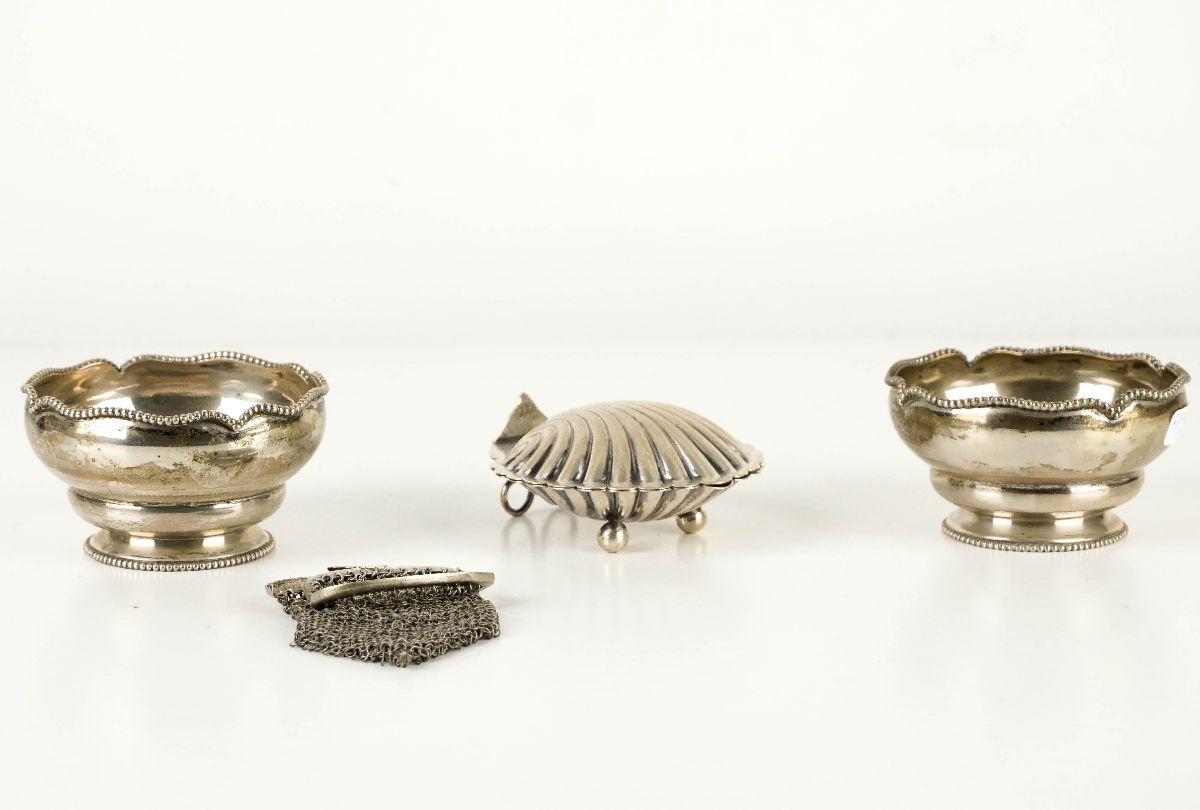 2 Taças de Pingos, Caixa com tampa e Porta-moedas
