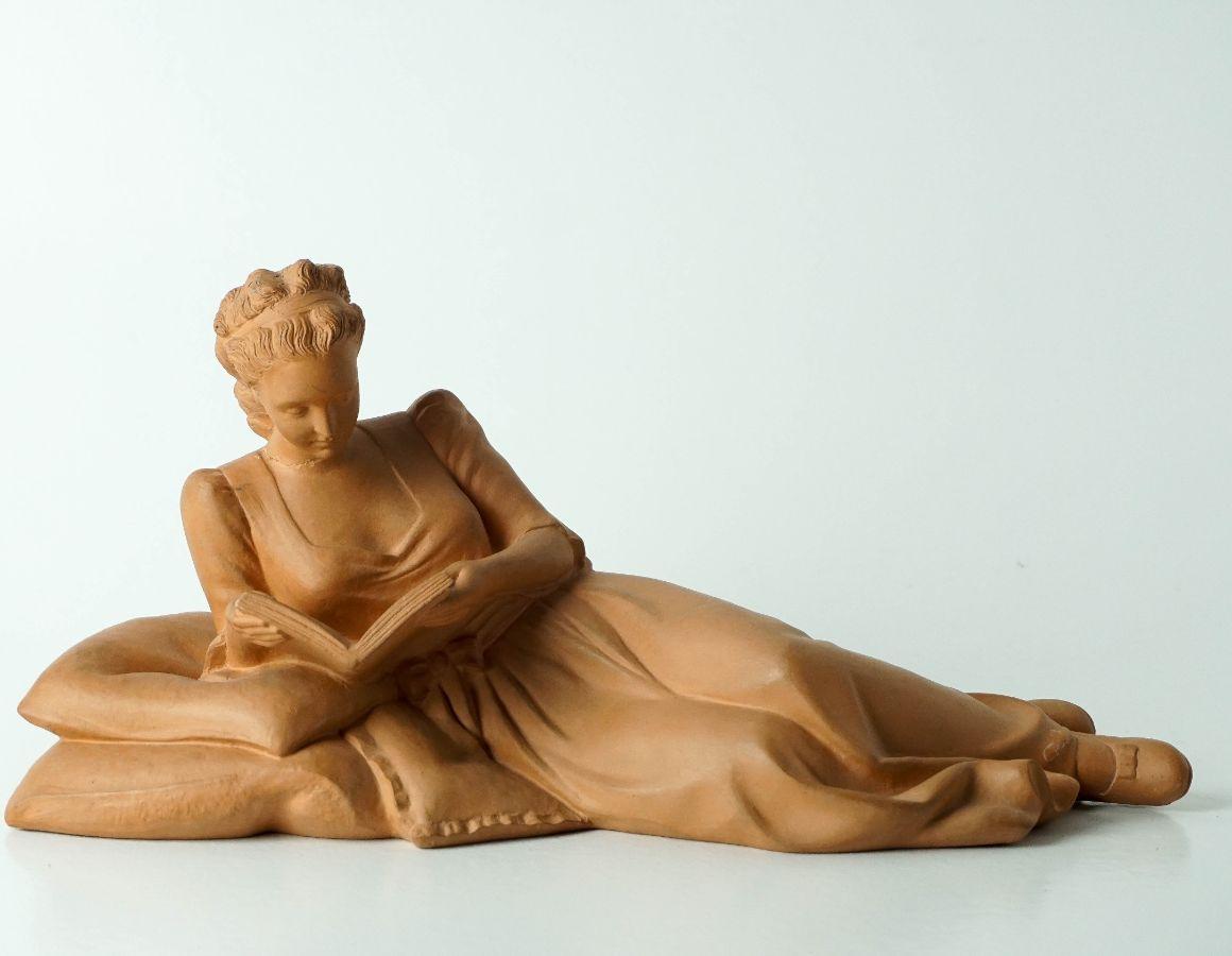 Mulher reclinada
