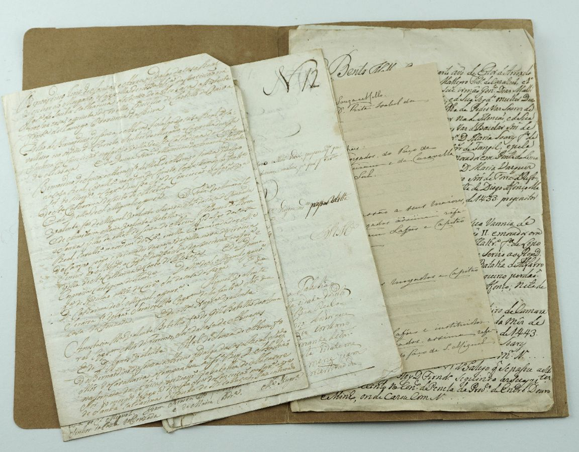 Manuscritos do sec XVIII e XIX sobre Genealogia e Herálidica