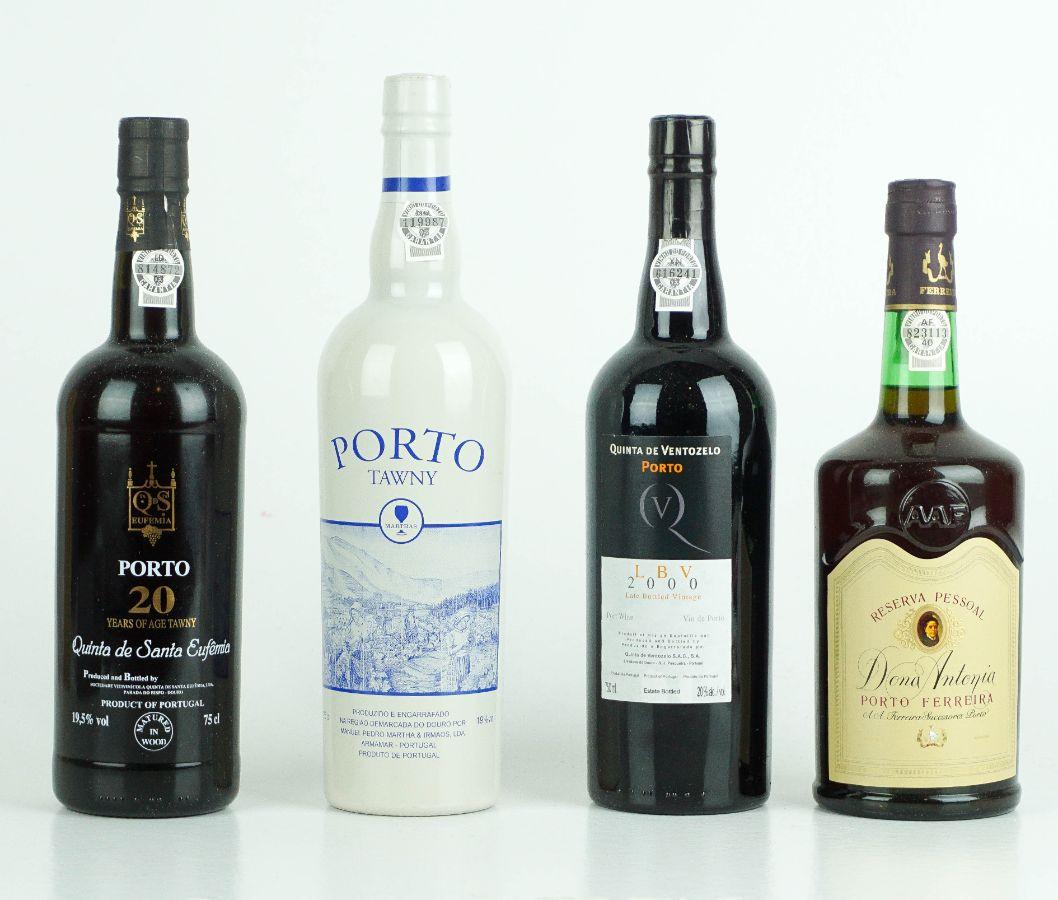4 Garrafas de Vinho do Porto