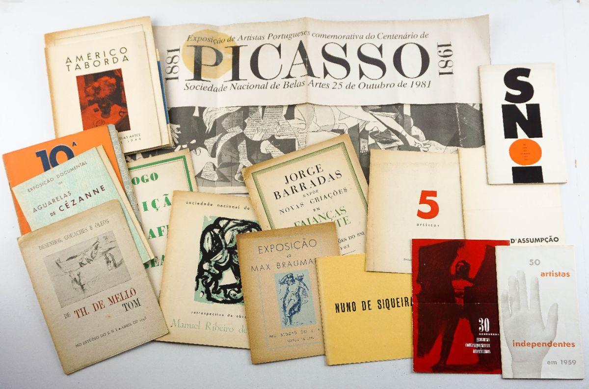 25 catálogos de exposições portuguesas – anos 30 a 60