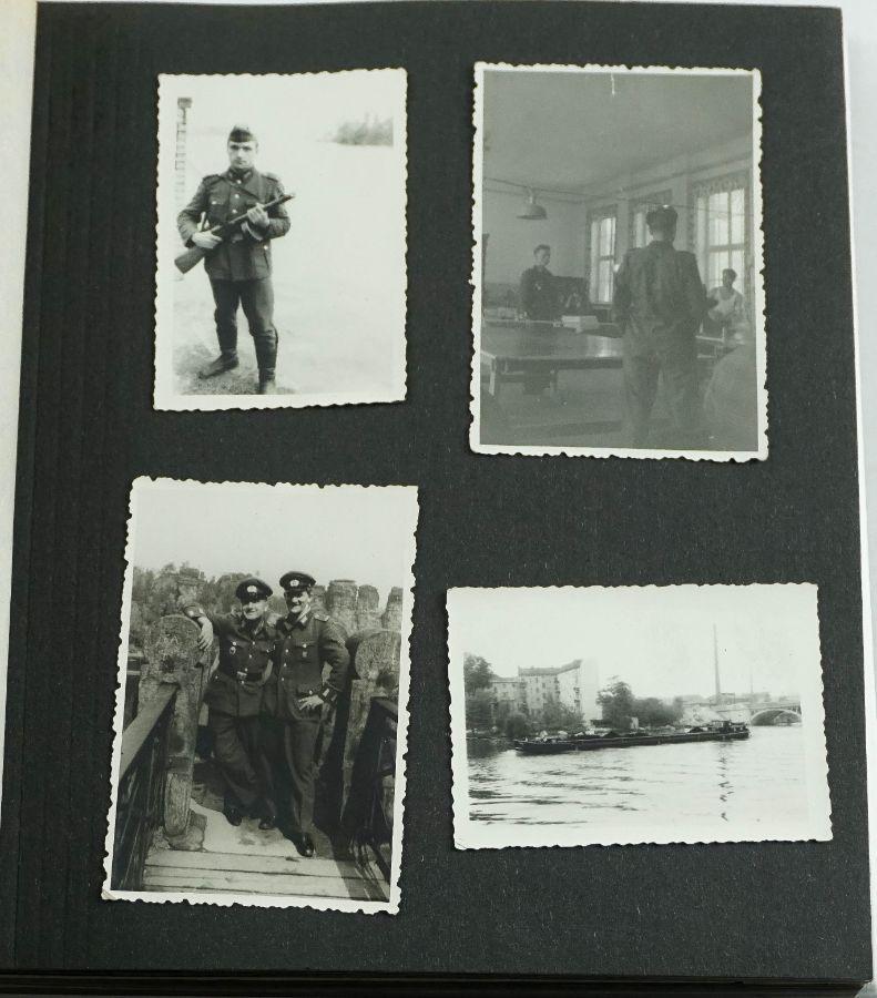 Álbum de Fotografias Antigo com Militares da Alemanha Democrática