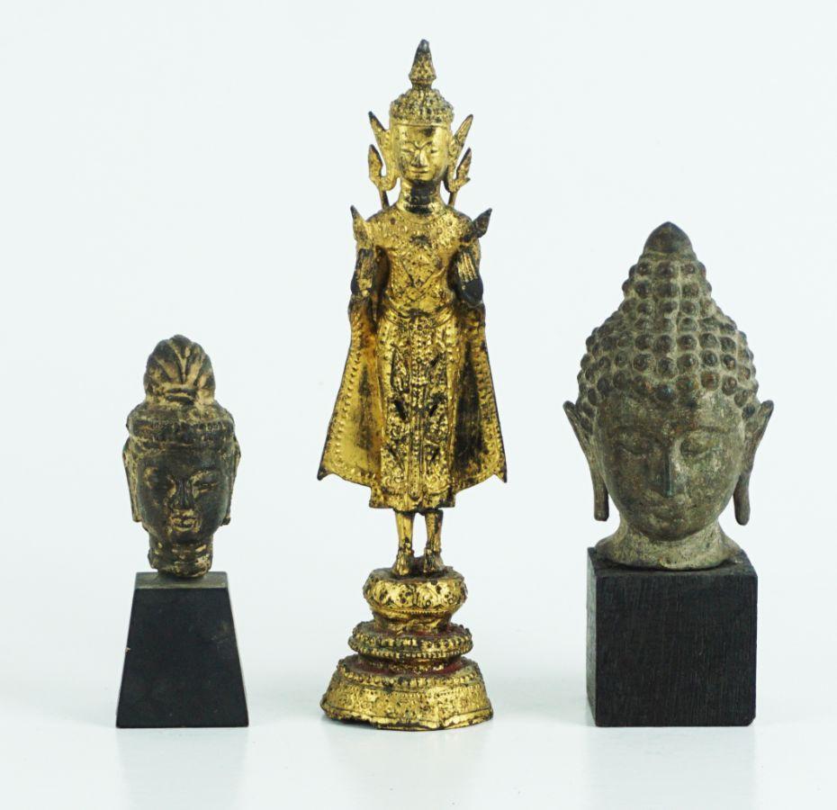 2 Cabeças de Budda e Divindade