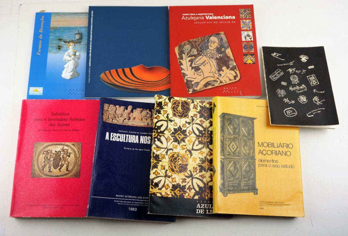 8 Livros sobre Cerâmica / Mobiliário