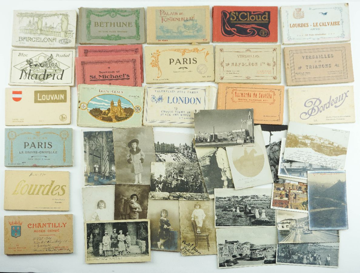 19 Cadernos de postais de turismo