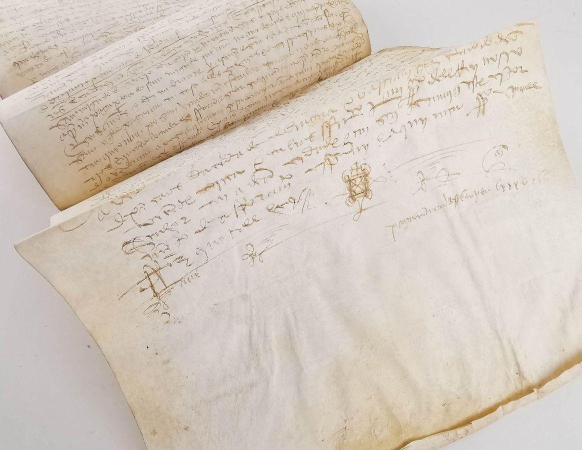 Pergaminho português de grandes dimensões - aforamento - 1525