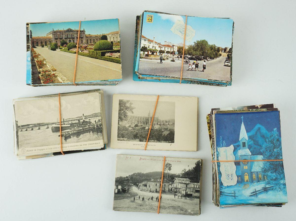 Mais de 370 postais