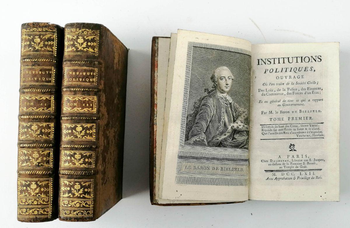 Institutions Politiques – 1762