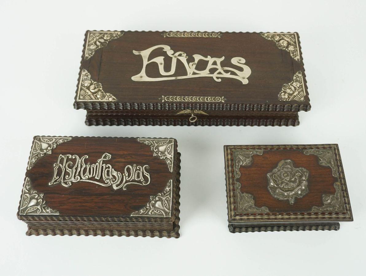 3 Caixas em madeira com aplicações em prata