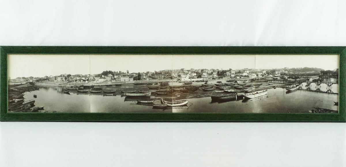 Aldeia com Rio e barcos