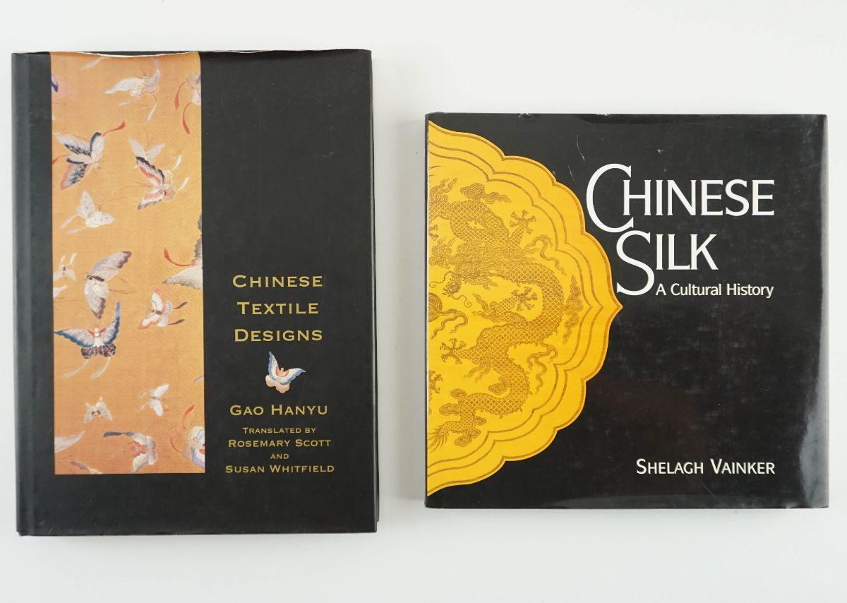 2 Livros sobre Têxteis Chineses