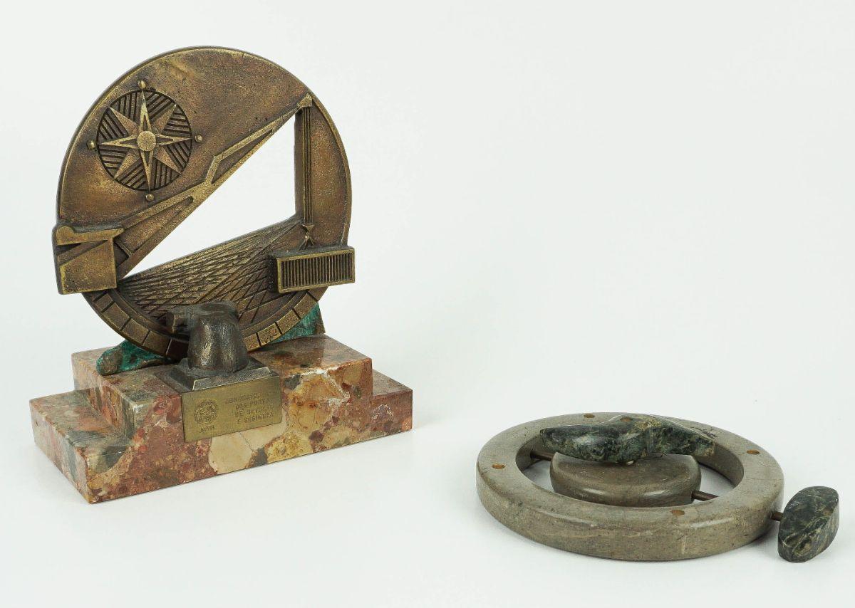 2 Esculturas