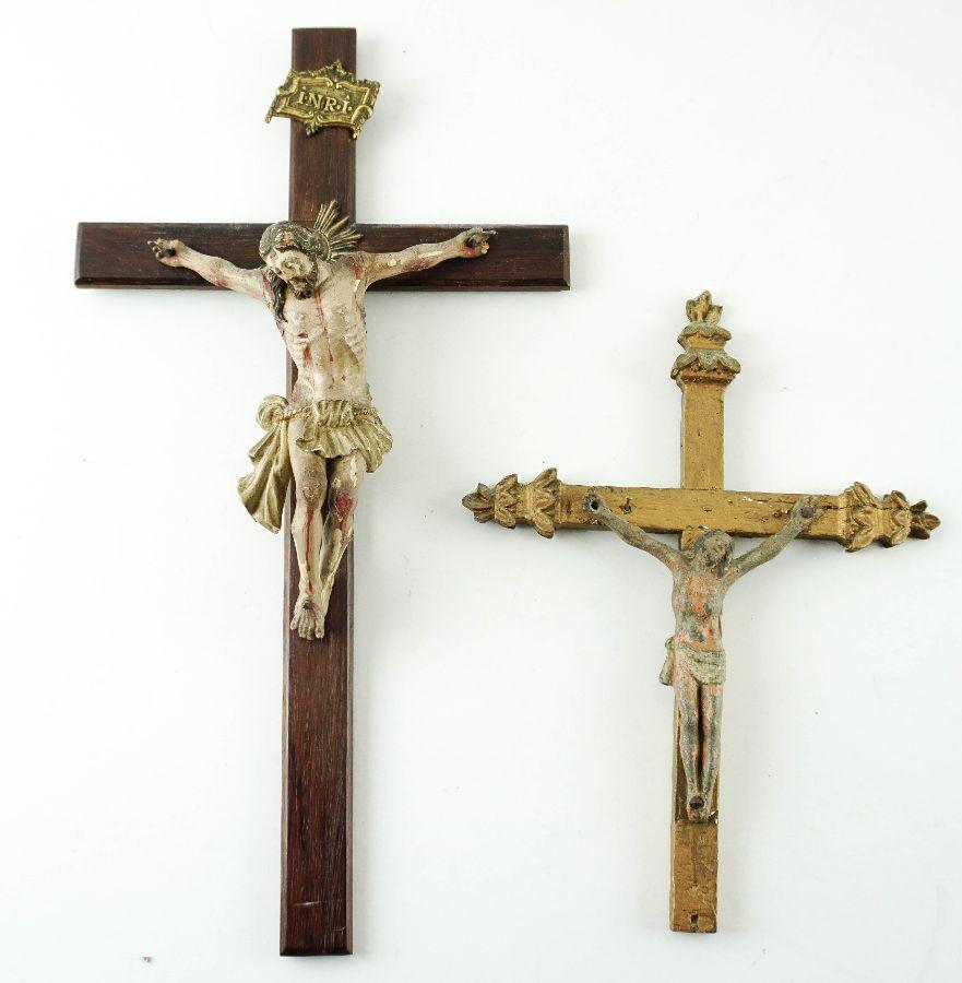 2  Crucifixos