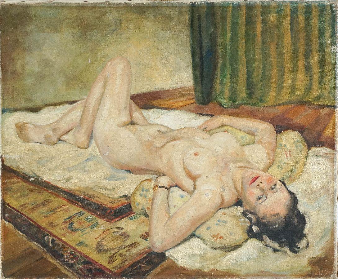 Nú feminino deitado