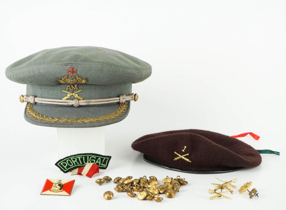 Boné de Oficial da Infantaria do Exército Português